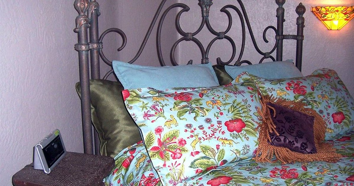 Wild Rose Manor Bed & Breakfast