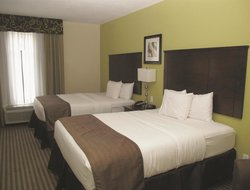 Pets-friendly hotels in Hornlake