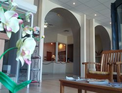 Canet-en-Roussillon hotels with sea view