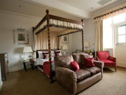 Top-6 romantic Brockenhurst hotels