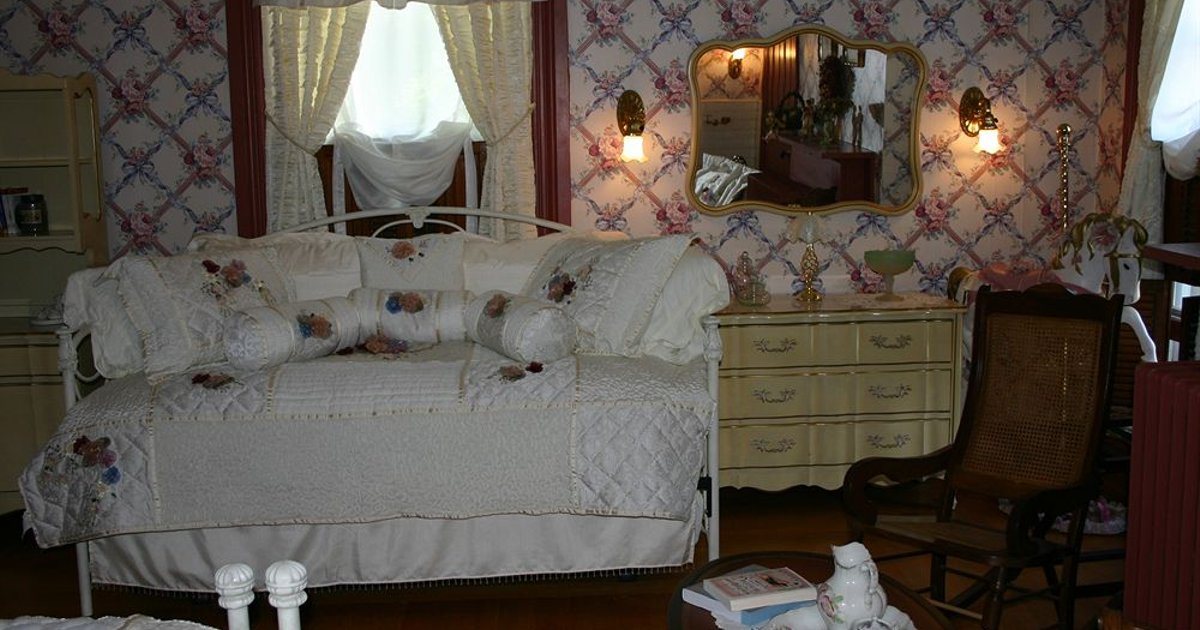 Silver High Manor Bed & Breakfast