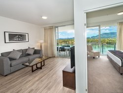Rockhampton hotels with river view