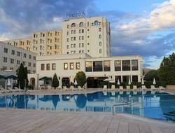 Uerguep hotels with swimming pool