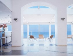 Top-10 hotels in the center of Sperlonga