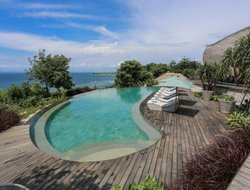 Uluwatu hotels with restaurants