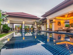 Bang Tao hotels with swimming pool