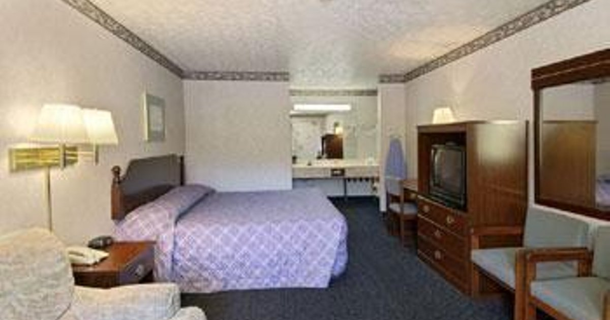 DAYS INN PEACHTREE CITY
