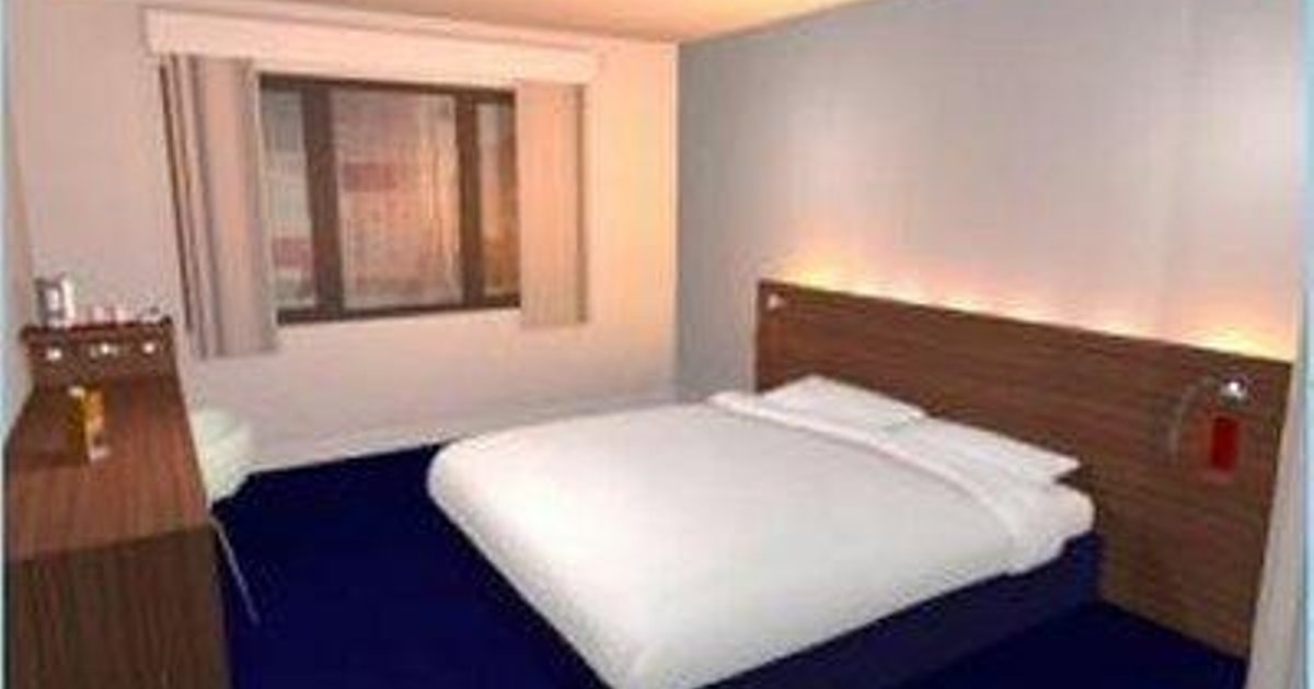 Travelodge Rose Street Hotel