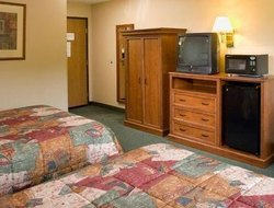 Pets-friendly hotels in West Duluth
