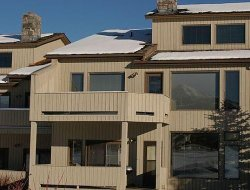 Pets-friendly hotels in Big Sky Canyon Village