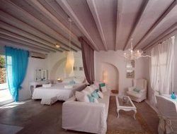 Top-9 romantic Ornos hotels