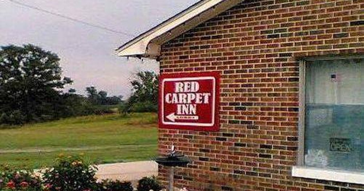 Red Carpet Inn Dix