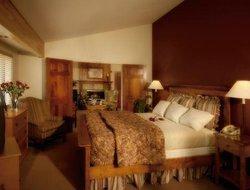 Top-3 romantic Bend hotels