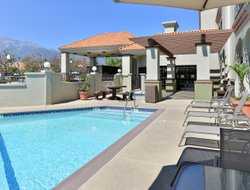 Rancho Cucamonga hotels with swimming pool