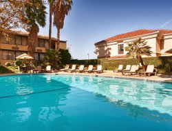 Valencia hotels with swimming pool