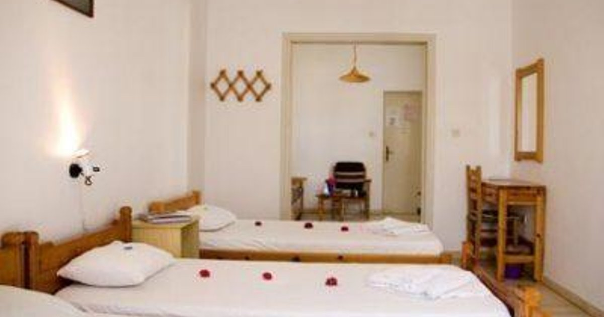 SAKIS ROOMS AND APARTMENTS