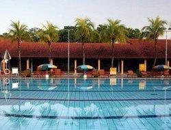 Kampung Pasir Gudang hotels with swimming pool