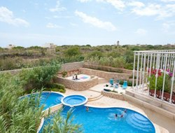Republic of Malta hotels with swimming pool