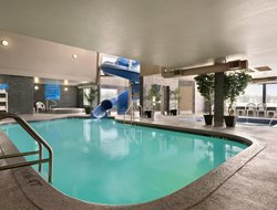 Regina hotels with swimming pool