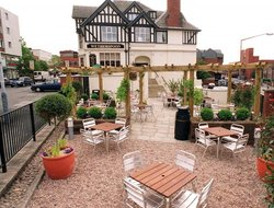 Chesterfield hotels with restaurants