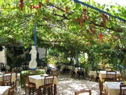 Corfu Island hotels with restaurants