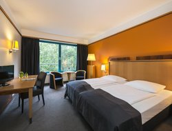 Bremen hotels with restaurants