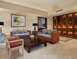 Kuwait City hotels for families with children