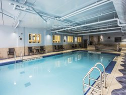 Dartmouth hotels with swimming pool