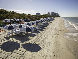 Naples Park hotels with restaurants