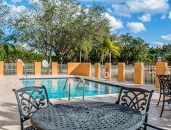 Fort Myers hotels with swimming pool
