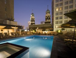 New Orleans hotels with swimming pool