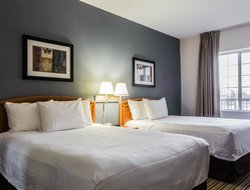 Pets-friendly hotels in Pineville
