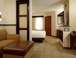 Jenks hotels for families with children