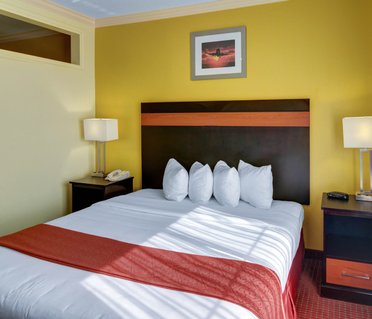 Quality Suites Intercontinental Airport West
