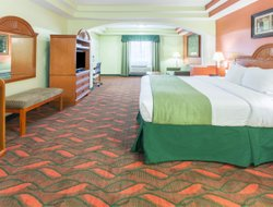 South Houston hotels for families with children