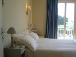 Quiberon hotels with sea view
