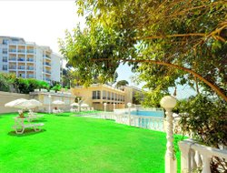 Kanoni hotels with lake view