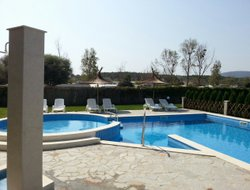 Lozenets hotels with swimming pool