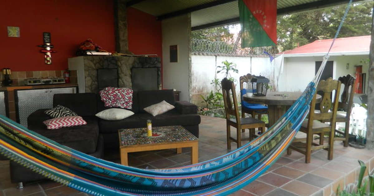 La Jungla Experience Hostel and Private Accommodations