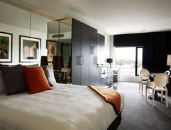 Top-10 romantic Melbourne hotels