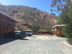 Alice Springs hotels with restaurants