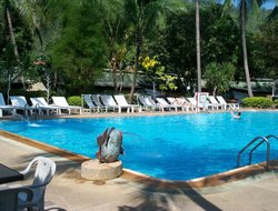 Ban Kaeng Raboet hotels with swimming pool