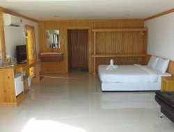 Ko Lipe hotels with swimming pool