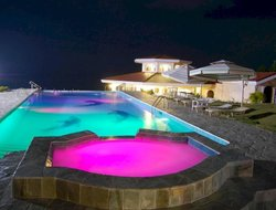 Pets-friendly hotels in Dauis