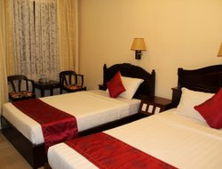 Phuong Ninh Hai hotels with swimming pool