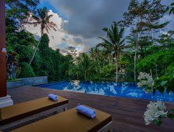 Bali Island hotels with restaurants