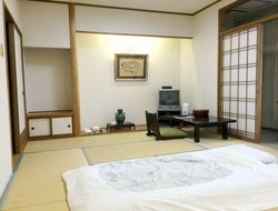 Shimo-suwa hotels with restaurants