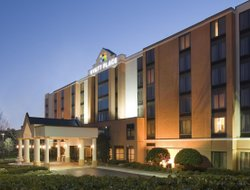 Aldine hotels with restaurants