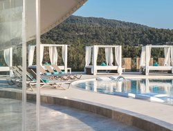 Torba hotels with restaurants