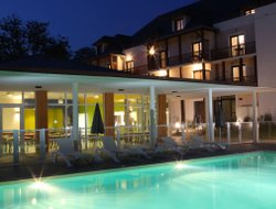 Lourdes hotels with swimming pool